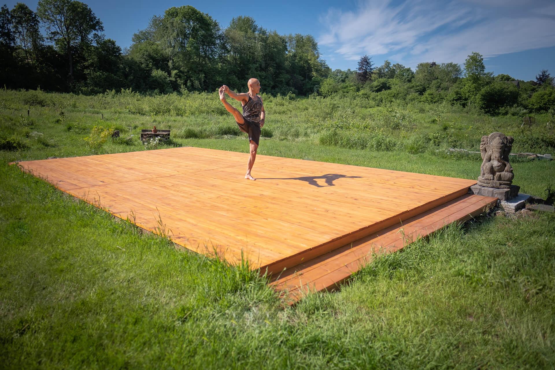 Yoga Raeren Manfred Schiffer